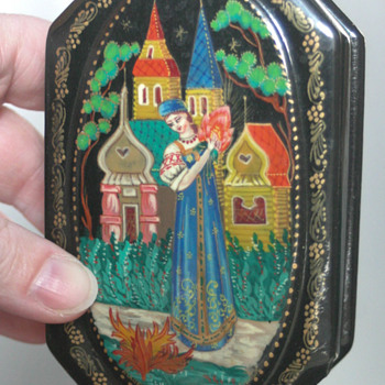 stunning Russian lacquer box - Fine Jewelry