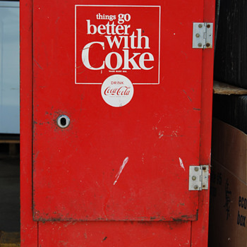Coca Cola Ideal vending machine, circa early 1950 - Coca-Cola