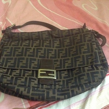 please help me to authenticate this bag... tnx