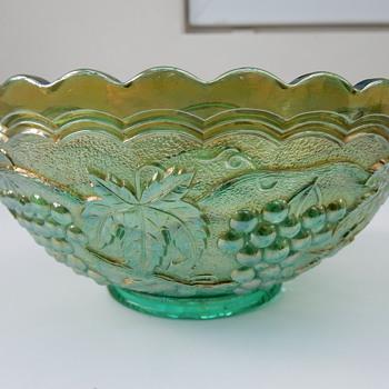 Imperial Carnival Glass Bowl. - Glassware