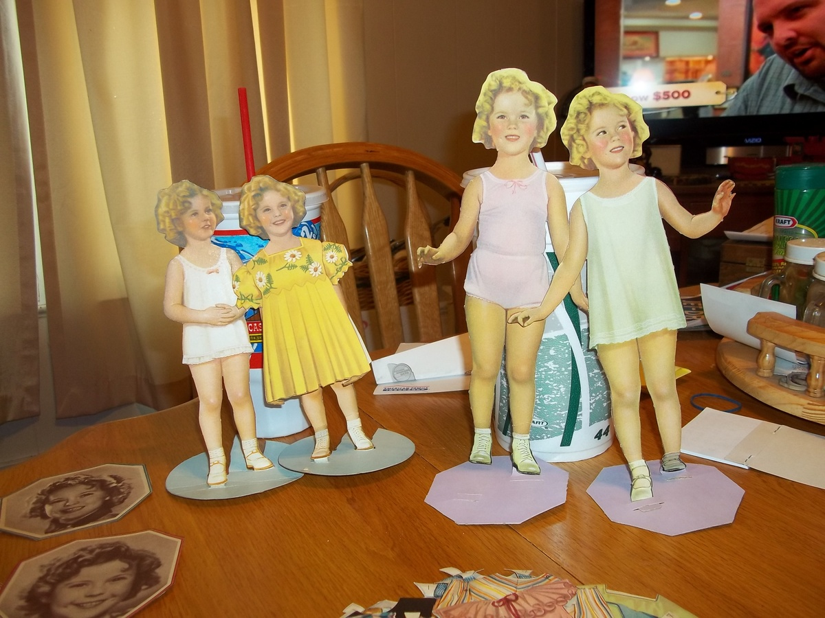 1930s shirley temple paper dolls outfits collectors weekly