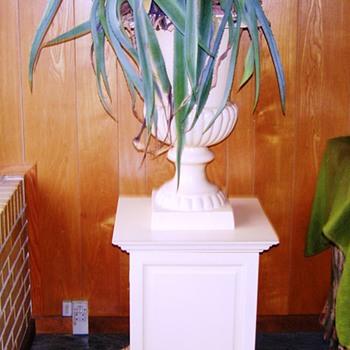 Victorian garden vase - Victorian Era