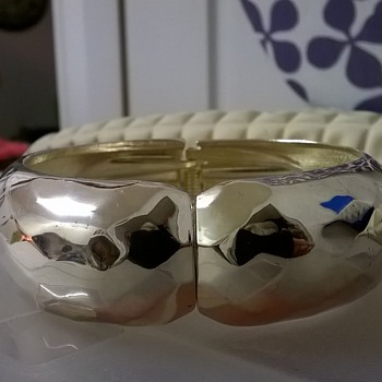 Silver Plated Diamond Design Clamper Bracelet Thrift Shop Find 1 Euro ($1.04) - Costume Jewelry