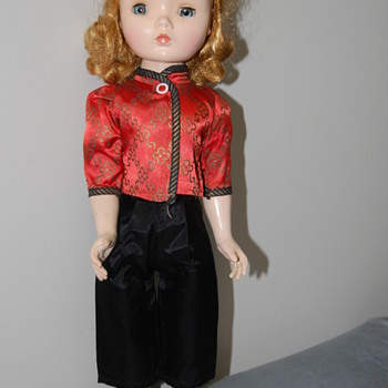 Madame Alexander Walker Q - Dolls