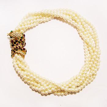 Vintage Ornate Snake Clasp Pearl Torsade