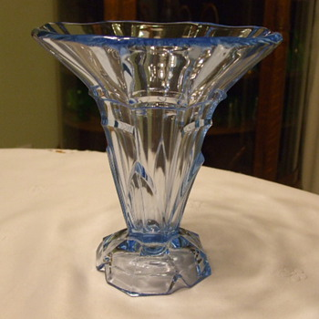 Similar ART DECO Vase to One Posted by LosFabulous- Different Shape-Same Maker - Art Glass