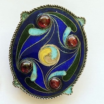 Arts and crafts enamel brooch but where was it made ? - Fine Jewelry