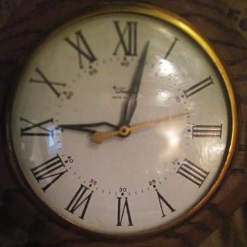 Vintage Sears & Roebucks Tradition brand pendulum wall clock - Clocks