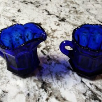 BLUE GLASS SUGAR AND CREAMER - Kitchen