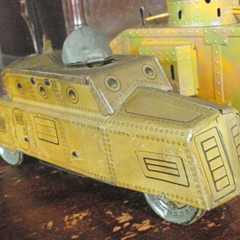 Hans Eberl of Nuremberg clockwork Armored car with Electric Light! - Model Cars