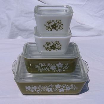 4 Crazy Daisy Vintage Pyex Refrigerator Containers - Kitchen