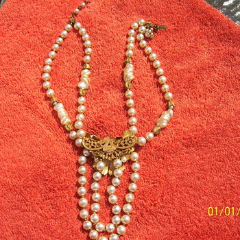 old miriam haskell pearl necklece - Costume Jewelry