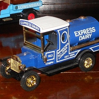 Matchbox Model T Truck Express Dairy - Model Cars