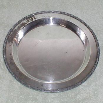 Meriden Silverplate Deep Platter - Silver