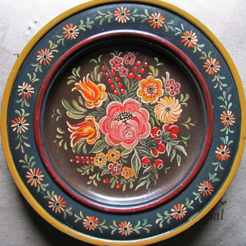 Hand Painted Wooden Plate. - Kitchen