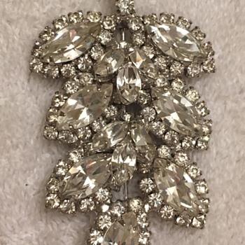 Two rhinestone brooches - Costume Jewelry