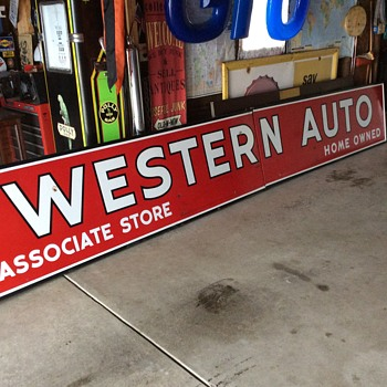 WESTERN AUTO porcelain sign made by the Veribrite Signs-Chicago - Advertising