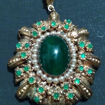 Vintage Costume Pendant - Costume Jewelry