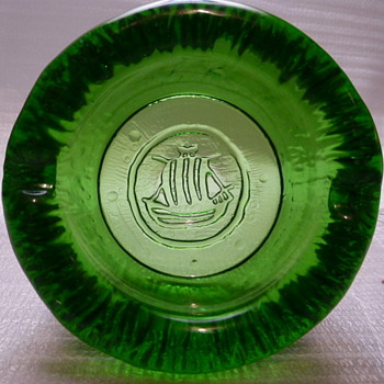 Wheaton Glass Company sailing ship ashtray - Glassware