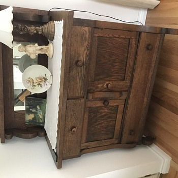Antiques we are sending off... - Furniture