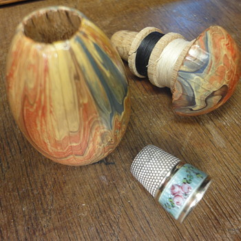 Antique wooden sewing egg with enameled silver silded thimble - Sewing