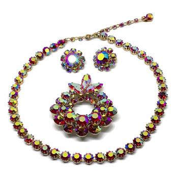 Fuchsia with golden Aurora Borealis Sherman set - Costume Jewelry