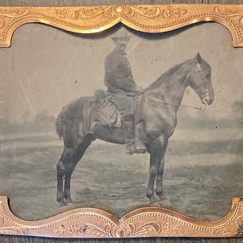 Civil War soldier on horseback - Military and Wartime