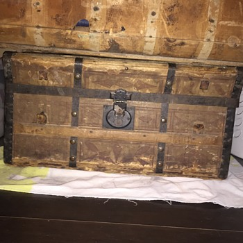 Antique approx. 1850 Jenny Lind Steamer Trunk - Furniture