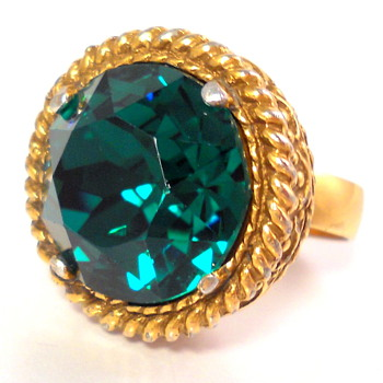 Victorian Adjust Ring with LARGE Green Stone - Costume Jewelry