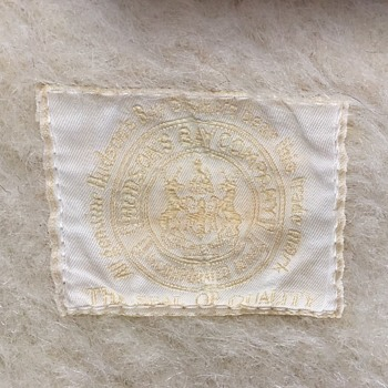 Antique Hudson's Bay Point Blanket - Rare Label - Rugs and Textiles