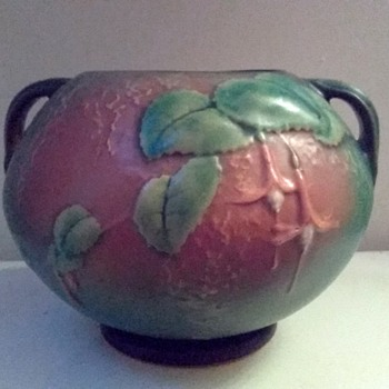 "Roseville Art Pottery ""Fuchsia"" Handled Rose Bowl # 347- 6 "" / Green & Brown / Circa 1938 - 40 - Pottery"