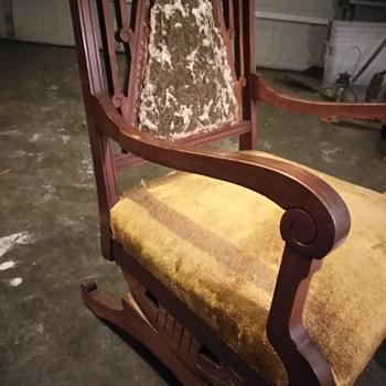 Spring antique rocker - Furniture