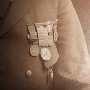 USN wearing the Sampson Medal, GCM and other awards