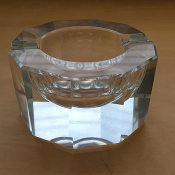 Heavy glass compact ashtray - Art Glass