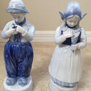 Vintage Delft Figurines - Pottery