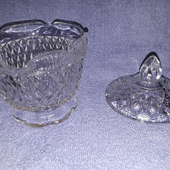 little candy dish, or just two random bits that kinda fit together?? - Glassware