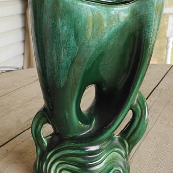Brush McCoy ? vintage vases. - Pottery
