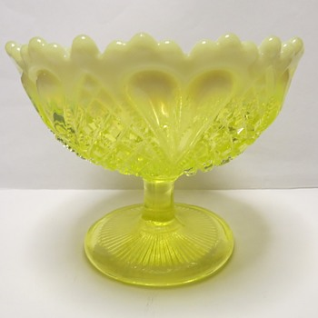 George Davidson Pearline Uranium Glass Bowl