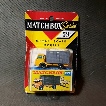 Musty Moos Miracle Matchbox Monday MB 37 Dodge Cattle Truck 1969 - Advertising