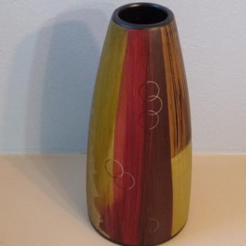 T.L.M. 1968 mystery vase - Pottery