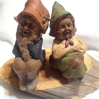 Tom Clark Woodspirits  - Corky and Sassy .  - Figurines