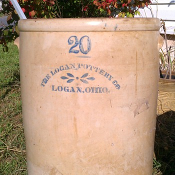 Logan pottery 20 gallon crock - China and Dinnerware