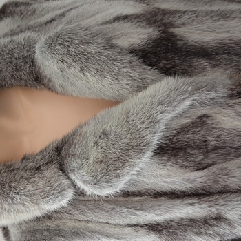 Help with identifying this beautiful fur coat