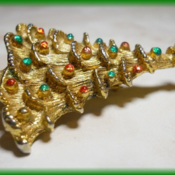 Christmas Tree Brooch = 1980's or so - Costume Jewelry