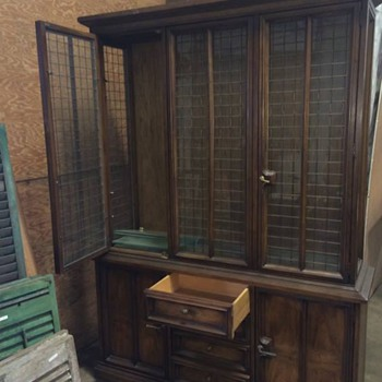 Beautiful Drexel China Cabinet