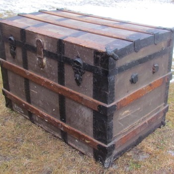 Late 1890's - 1910 (+-) Martin Maier :  Steel Bound Roll top Trunk  - Furniture