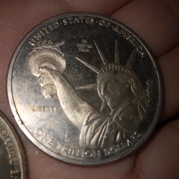Tengo estas dos monedas... - US Coins