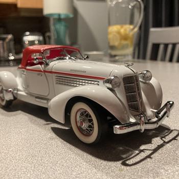Franklin Mint 1935 Auburn Boattail Speedster  - Model Cars
