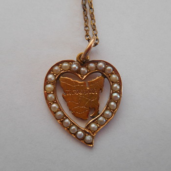 9ct gold and pearl heart with map of Tasmania.