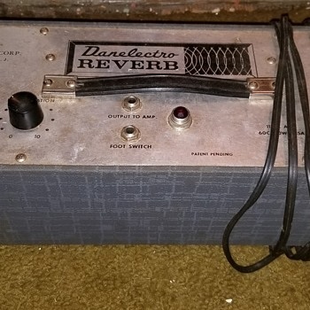 Danelectro reverb - Guitars
